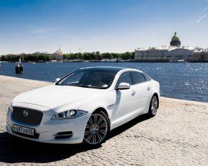 Аренда Jaguar XJ Long на свадьбу в Санкт-Петербурге