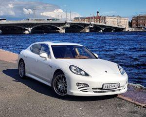Аренда Porsche Panamera на свадьбу в Санкт-Петербурге