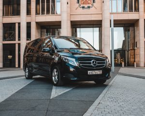Аренда Mercedes V class 2019 на свадьбу в Санкт-Петербурге