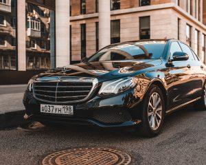Аренда Mercedes 213 черный на свадьбу в Санкт-Петербурге