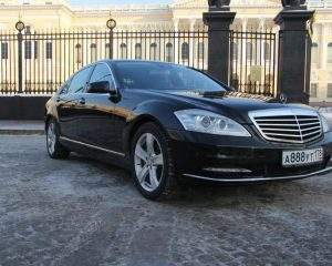 Аренда Mercedes 221 рестайлинг черный на свадьбу в Санкт-Петербурге